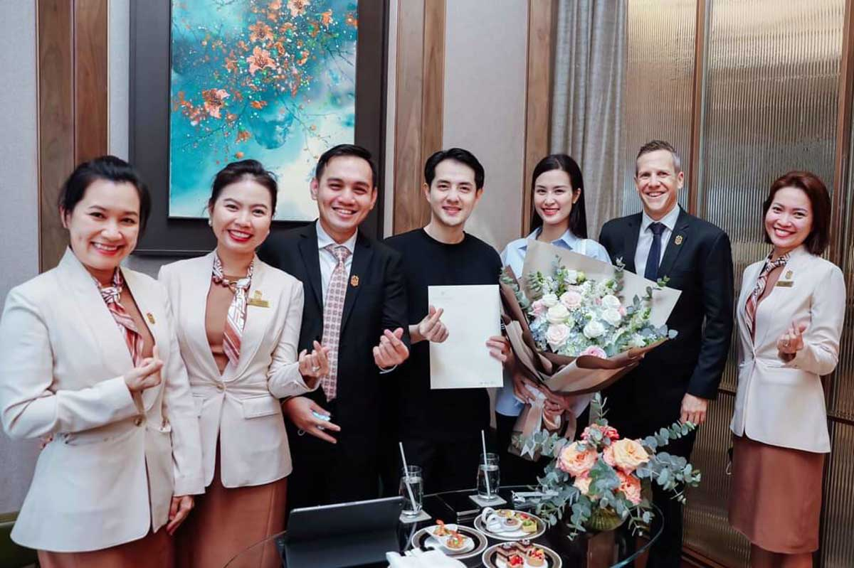Ca sĩ Đông Nhi và ông xã Ông Cao Thắng trở thành những cư dân đầu tiên của căn hộ hàng hiệu Grand Marina Saigon